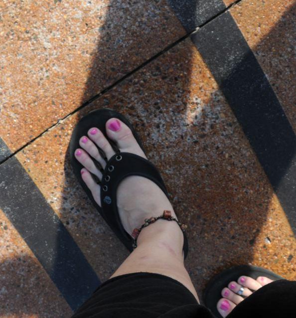 legs spread feet Long